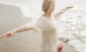 7 Alasan Yoga Membantu Anda Melewati Menopause