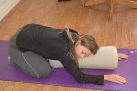 Berbagai Gerakan Yoga sebagai Obat Sakit Maag