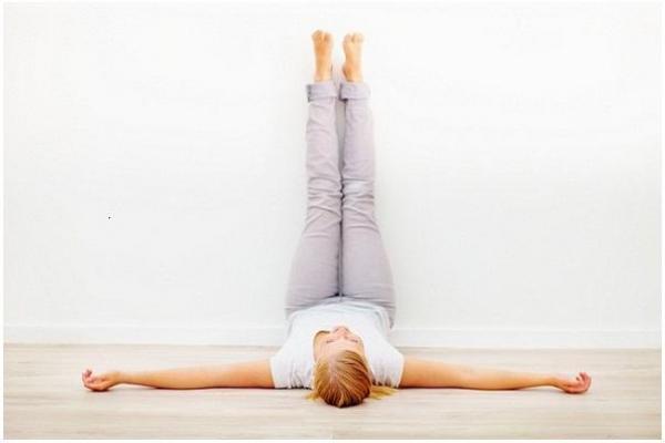 gerakan yoga - legs up the wall
