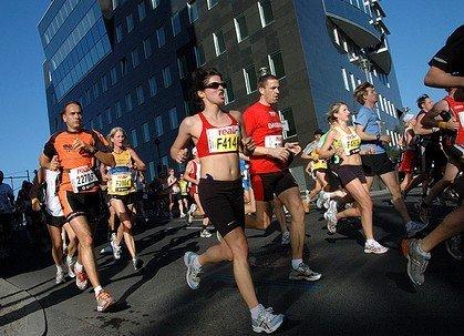 olahraga lari dan latihan yoga