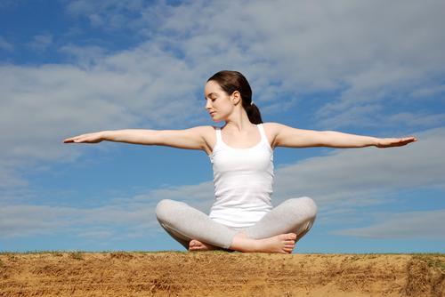 manfaat yoga dan senam yoga serta latihan yoga bagi kesehatan