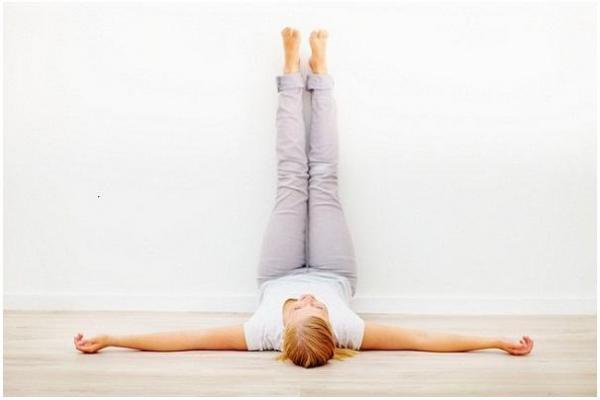gerakan yoga - legs up the wall