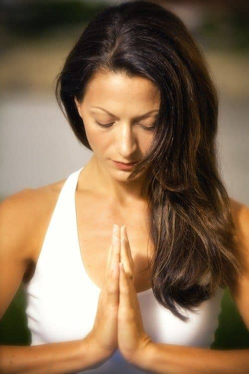 Apa Arti Namaste dalam Yoga | YogaNeka - Jual matras yoga ...