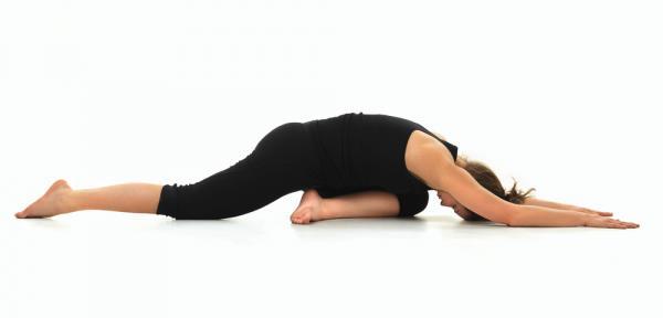 gerakan yoga - pigeon pose