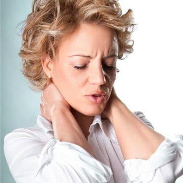 latihan yoga melepaskan ketegangan leher