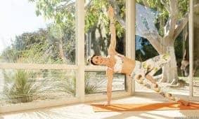 3 Gerakan Yoga Ibu Hamil Agar Pantat Tetap Kencang