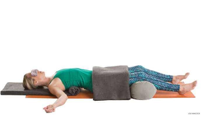 Mengapa Savasana Menjadi Penting Dalam Yoga? 1