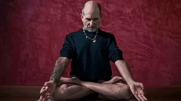 eddie modestini - latihan yoga