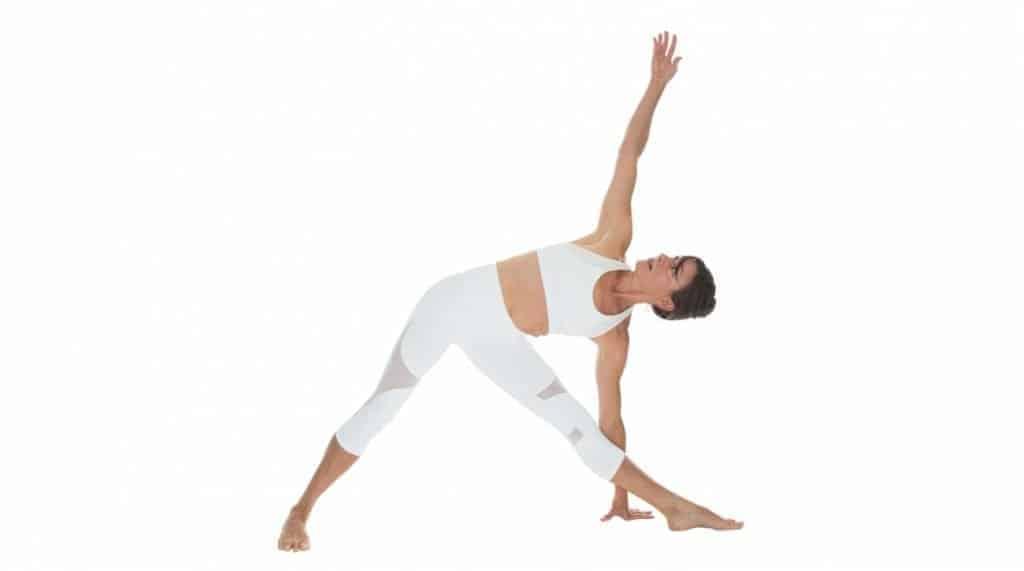 gerakan yoga trikonasana