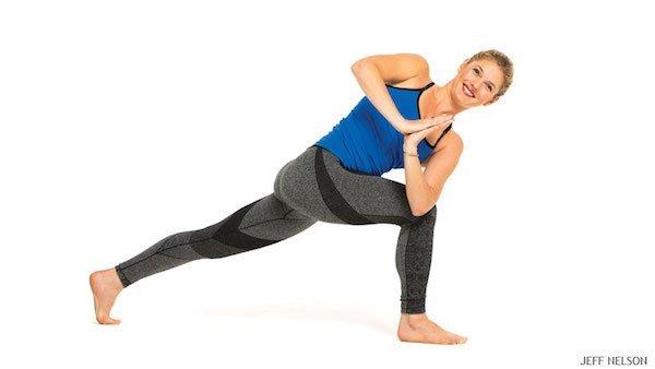 gerakan yoga crescent twist