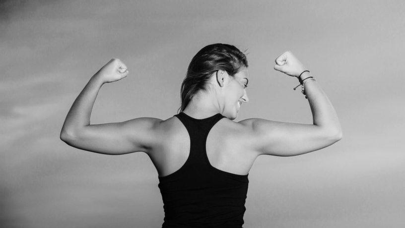 manfaat yoga menjadi kuat