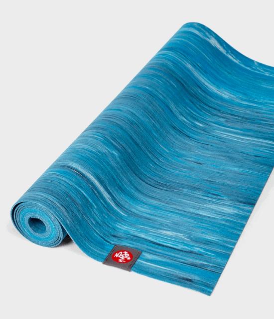eKO SuperLite Travel Yoga Mat - DRESDEN BLUE MARBLED 1