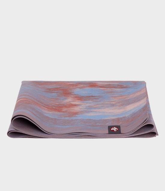 manduka Superlite Traveling yoga mat / matras yoga - Deep Coral Marbled