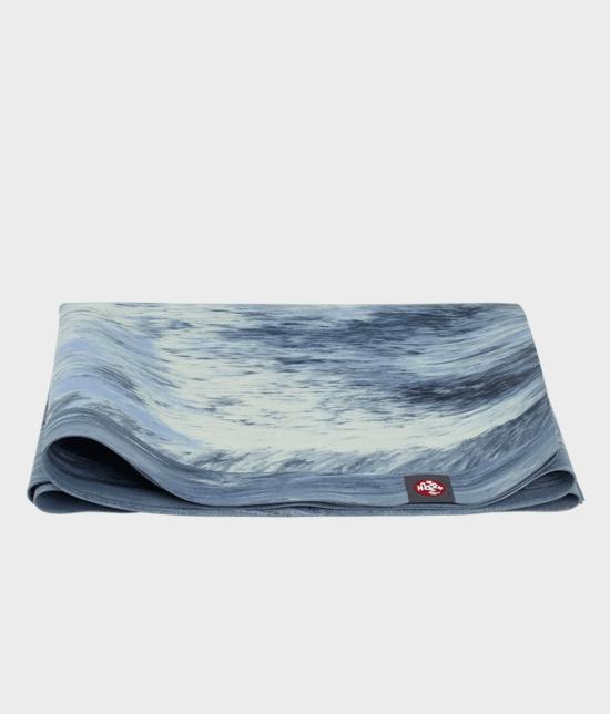 SuperLite Travel manduka Yoga Mat - SEA FOAM MARBLED 2